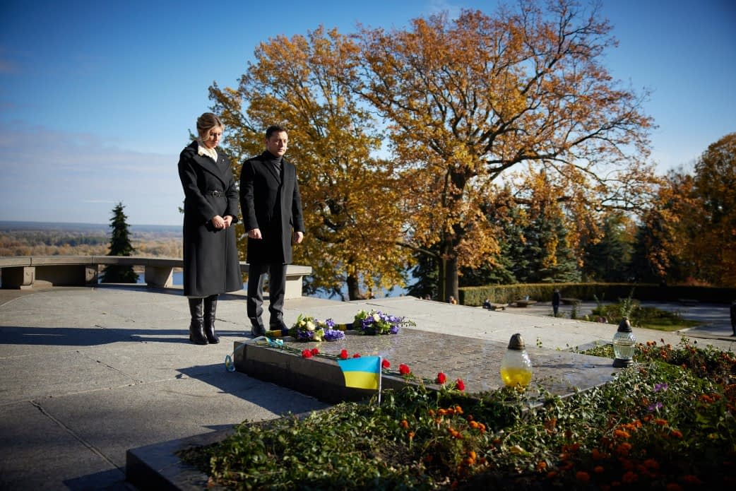 У Каневі Володимир та Олена Зеленські вшанували пам'ять Кобзаря 5