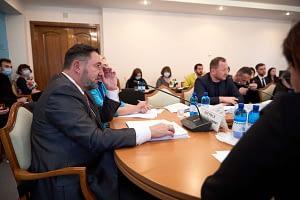 Комітет з питань гуманітарної та інформаційної політики ініціює створення Державної служби у справах сім'ї та дітей 12