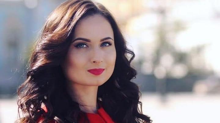 Зеленский переплюнул Порошенко - политтехнолог о закрытии каналов 13
