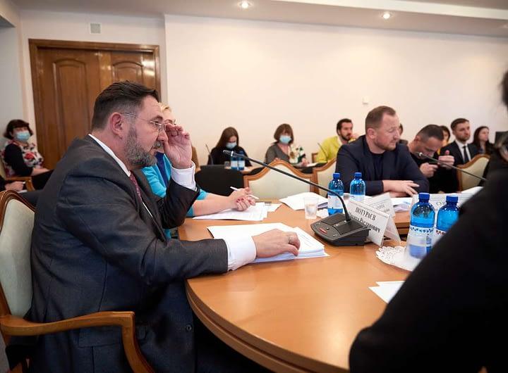 Комітет з питань гуманітарної та інформаційної політики ініціює створення Державної служби у справах сім'ї та дітей 26